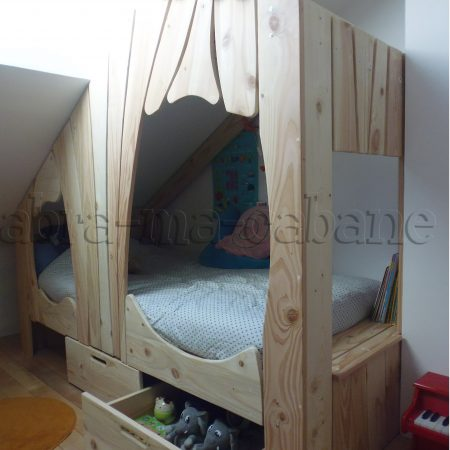 lit cabane avec tiroirs