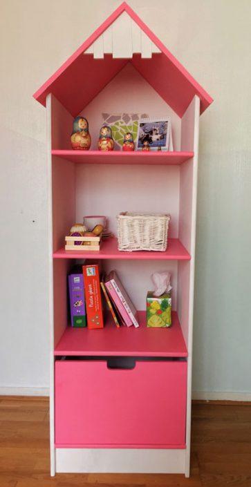 bibliotheque rose du lit cabane