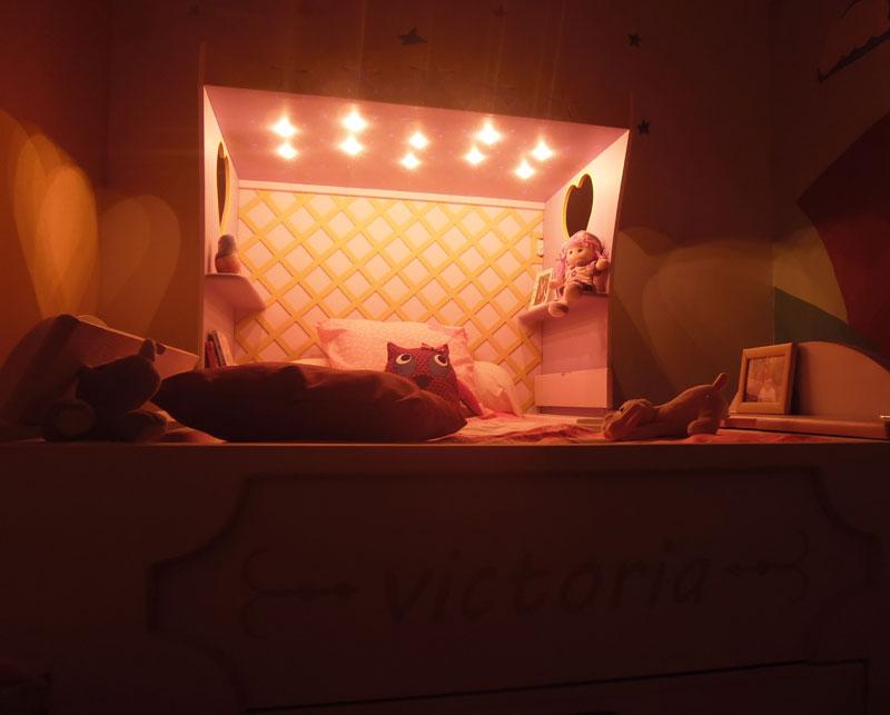 lit fille carrosse lit cabane en bois pour enfant abra ma cabane. Black Bedroom Furniture Sets. Home Design Ideas